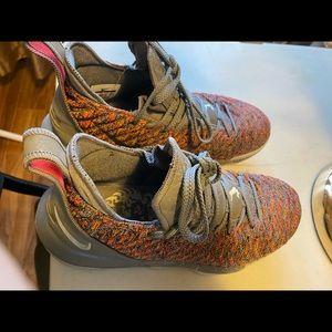Nike Shoes - Lebron XVI